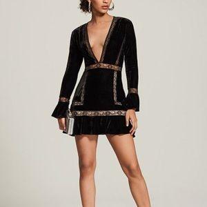 SAYLOR lace trim velvet dress ♣️♣️